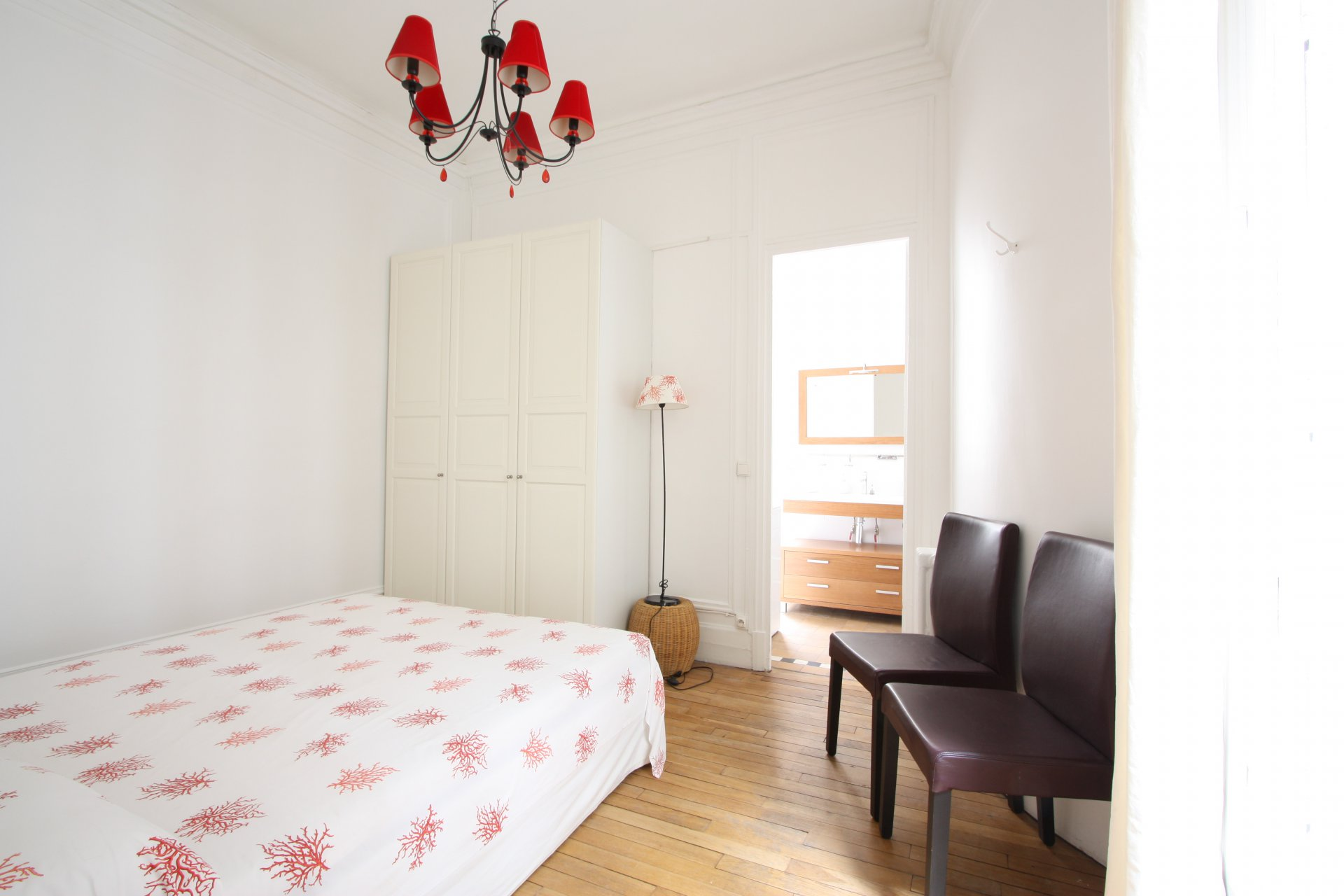 Annonce location appartement paris 8 me champs lys es for Location appartement atypique paris