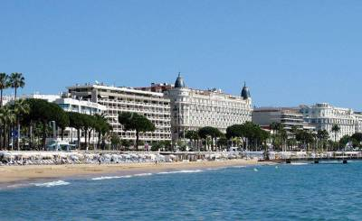 Location Commerce Cannes