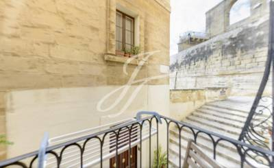 Location Commerce Valletta