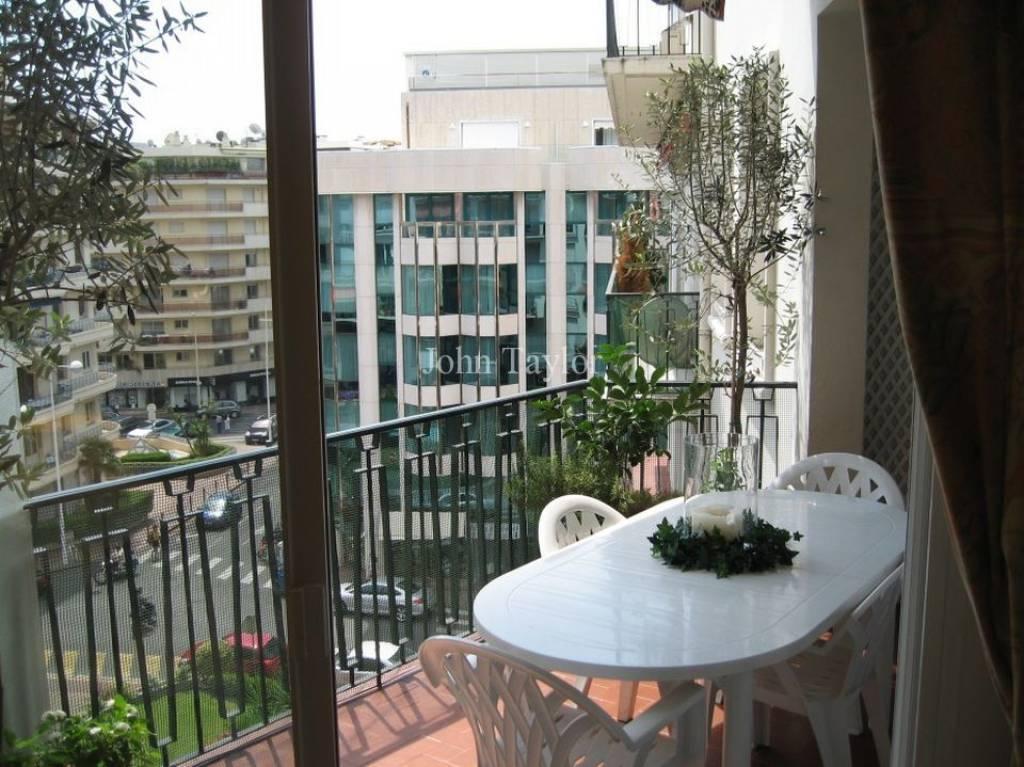 annonce location saisonni re appartement cannes arri re croisette 06400 6 couchages ref l0326ca. Black Bedroom Furniture Sets. Home Design Ideas