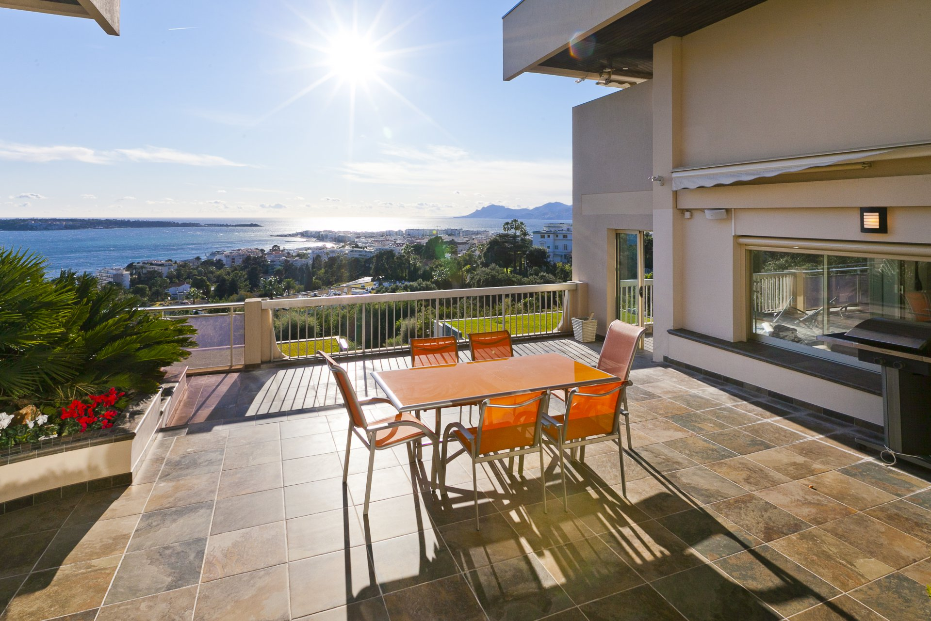 annonce location saisonni re appartement cannes basse californie 06400 6 couchages ref l0833ca. Black Bedroom Furniture Sets. Home Design Ideas
