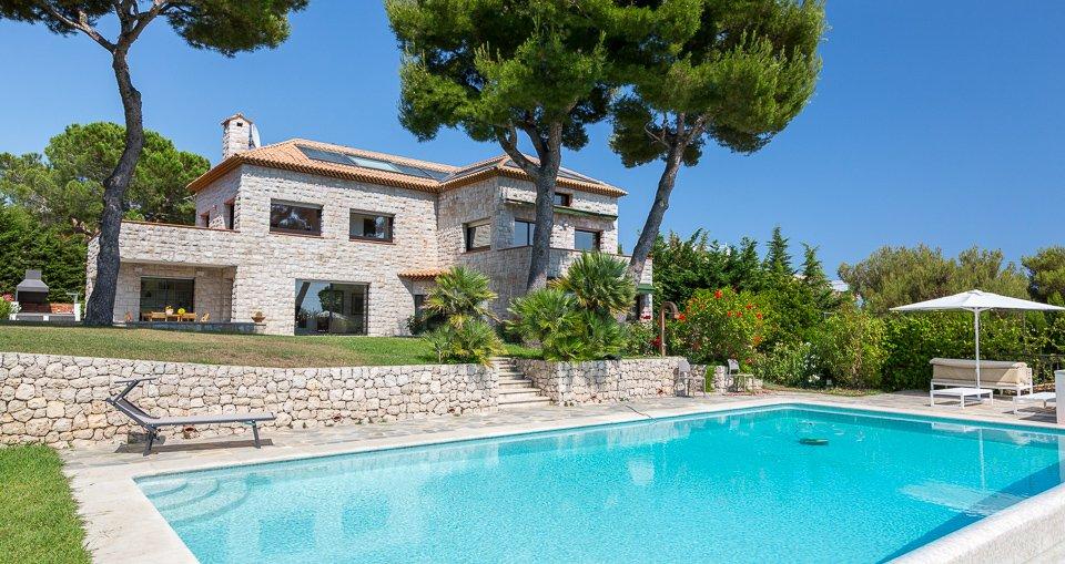 Annonce location saisonni re maison roquebrune cap martin 06190 6 pi ces 10 couchages john for Piscine 20000 euros