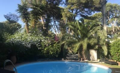 Location saisonnière Villa Antibes