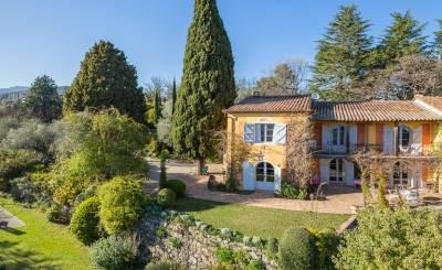 Location saisonnière Villa Châteauneuf-Grasse