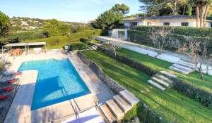 Location saisonnière Villa Valbonne