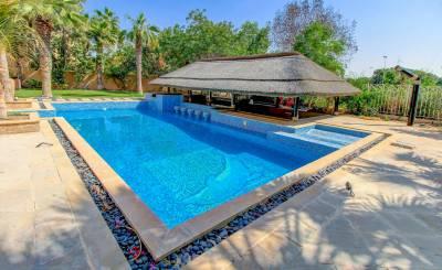 Location Villa The Lakes