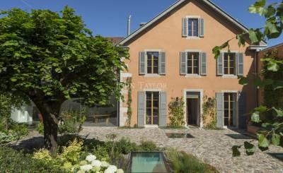 Vente maison villa propri t sur geneve suisse john for Acheter maison carouge