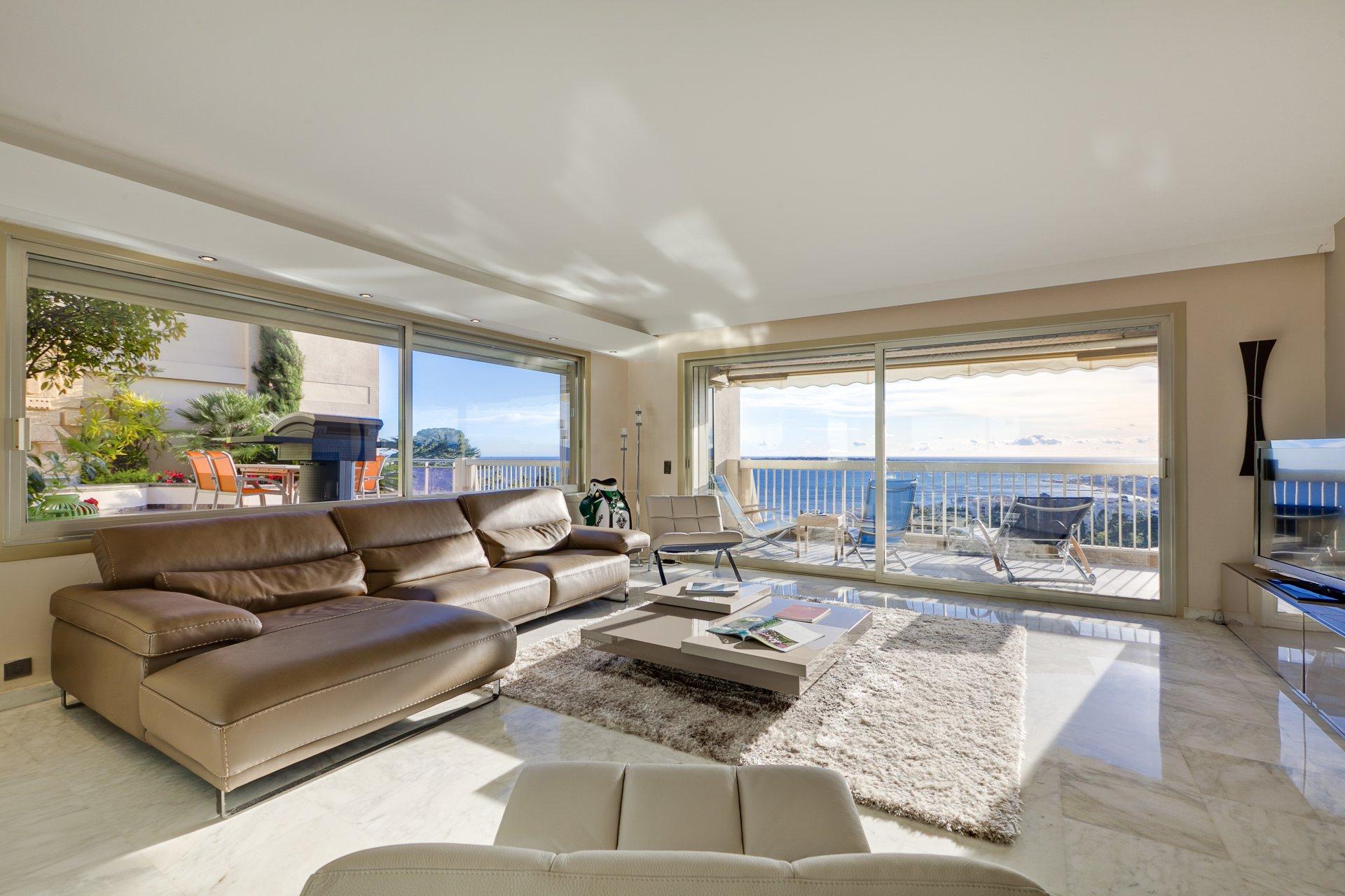 annonce vente appartement cannes californie 06400 5 pi ces v3983ca. Black Bedroom Furniture Sets. Home Design Ideas