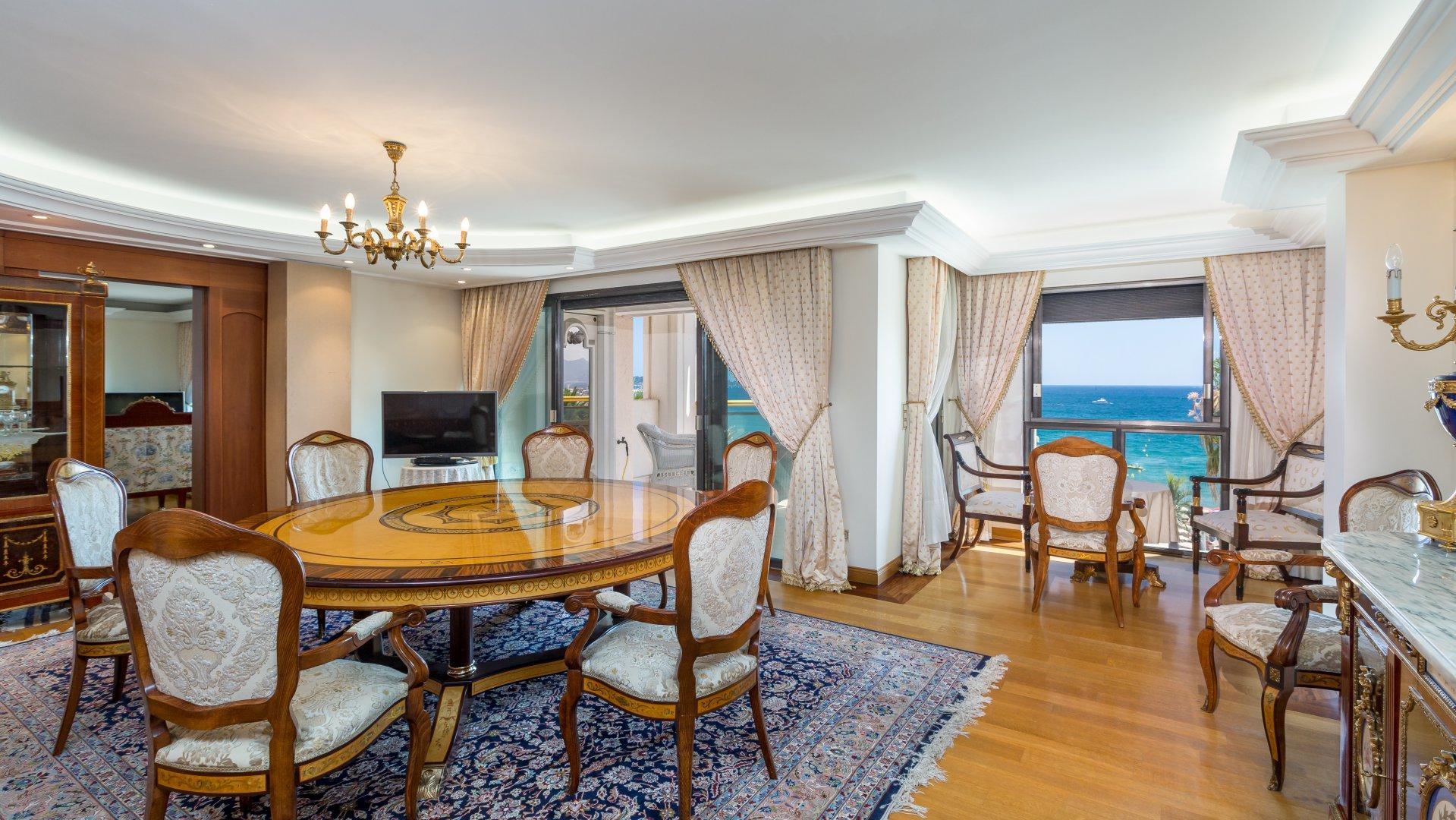 annonce vente appartement cannes croisette 06400 3 pi ces v4425ca. Black Bedroom Furniture Sets. Home Design Ideas